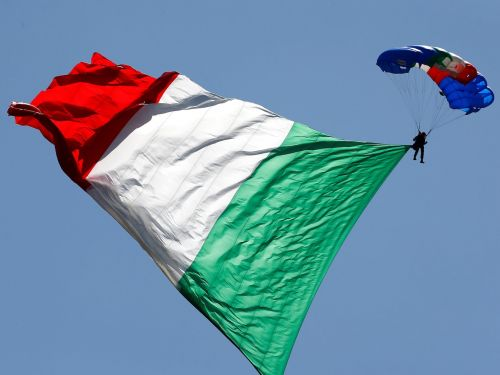 Is Italy the new Greece? These 6 charts explain why Italy is rattling markets