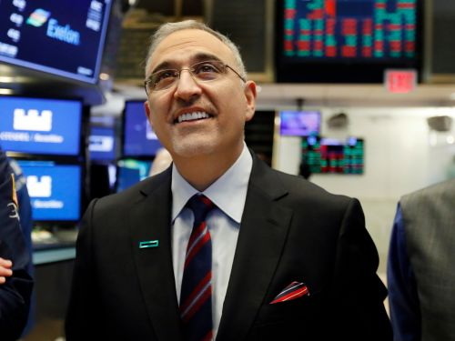 Hewlett Packard Enterprise is projecting a strong outlook for the rest of the year - but the CEO says that the overall data center market slowdown is his 'biggest worry'