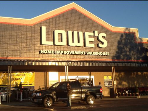 Lowes' website crashes on Black Friday