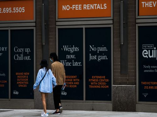 New York rents are falling at record rates thanks to city fleers who left thousands of apartments empty. The cheap prices may last a long time