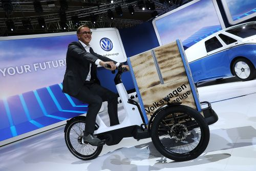 VW reimagines the microbus as an all-electric cargo hauler