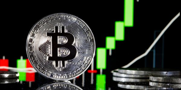 Trading of first bitcoin ETF slows in Canada after a roaring debut for the groundbreaking fund