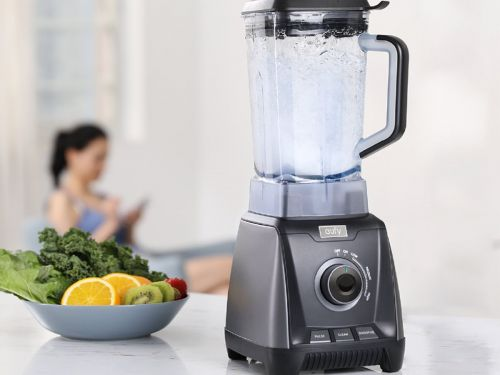 I tried this $120 blender and found it makes smoothies just as well as the high-end options