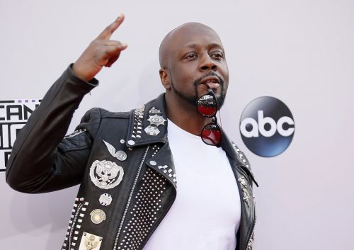 A knockoff game is trying to take on HQ Trivia by using celebrity hosts like Wyclef Jean and a $1 million prize pool