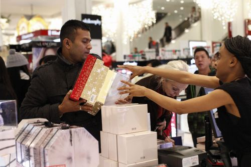 Macy's quarterly profit, same-store sales top expectations