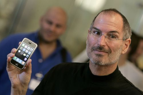 Apple is now worth over $1 trillion - here are 9 people who were convinced the iPhone would be a major flop