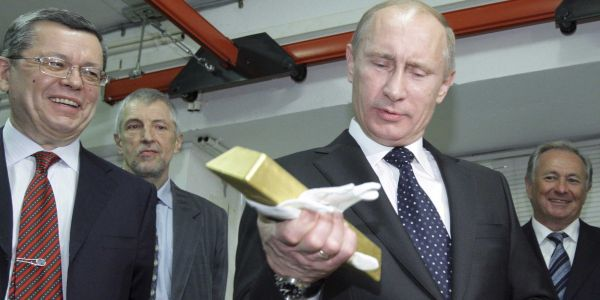Russia is stockpiling gold as fresh US sanctions loom