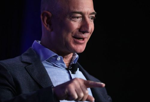 Amazon briefly becomes the world's most-valuable publicly traded company
