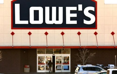 CREDIT SUISSE: There are 3 reasons why an activist investor could be interested in Lowe's