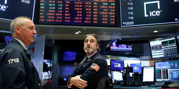 US stocks slide as biggest jobless-claims surge since March outweighs stimulus expectations