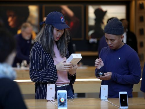 I had an Apple store experience from hell - and it's clear there are larger problems with Apple's retail presence
