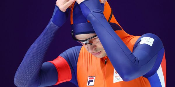 The world's best speed skater stunned the Olympics with a sluggish performance in the one event that has eluded him
