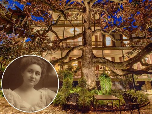 Inside the oldest and most expensive mansion in Charleston, which is selling for $16 million, is said to be haunted, and was once owned by Abraham Lincoln's granddaughter