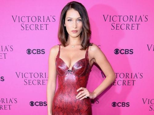 Bella Hadid denies that Drake's new song 'Finesse' is about her