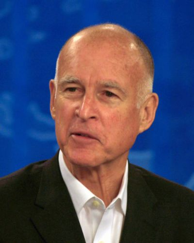 California Governor Jerry Brown Signing Bill Banning All Guns Is Fake News