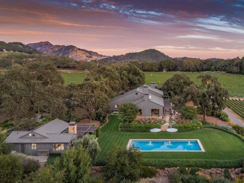 The most expensive house in Napa Valley is a $22.5 million luxury farmhouse surrounded by vineyards. Take a look inside the modern California estate
