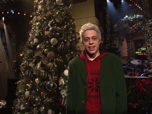 Pete Davidson appeared on 'Saturday Night Live' following a disturbing Instagram post