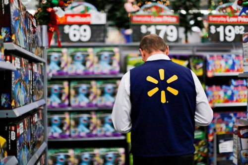 Walmart made a game that lets you see what it's like to work at one of their stores - here's how to play