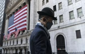 US stocks turn mixed as bond yields continue their climb