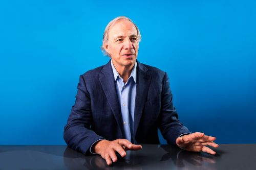 What billionaire hedge fund manager Ray Dalio is reading to make sense of the world and the economy right now