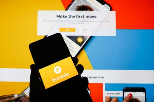 How does Bumble work for men? Here's how Bumble chats differ for men, women, and non-binary users