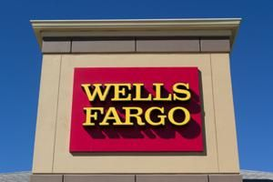 Wells Fargo pulls back from U.S. Midwest, selling 52 branches to Flagstar