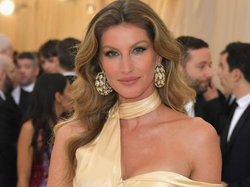Gisele Bündchen's diet went from cheeseburgers and fries to 'whole food'- here's what she eats to maintain her famous figure