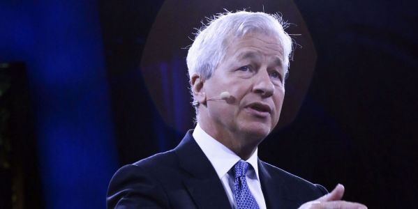 Jamie Dimon says 'gangbuster' growth is in store for the US but too much fiscal stimulus is a risk