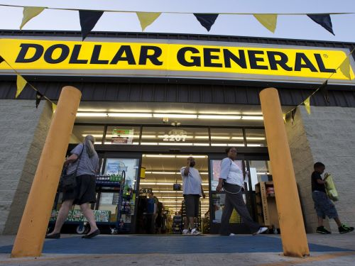 Dollar General is defying the retail apocalypse and opening 1,000 stores - here's what its like to shop there