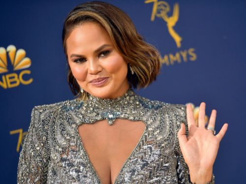 Someone told Chrissy Teigen her face looked 'huge' - and her response makes it clear she has no time for negativity