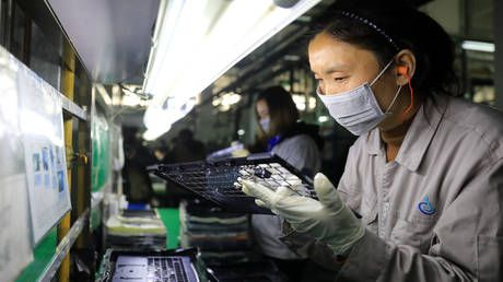 US postpones tariffs on some Chinese products, including cell phones & laptops