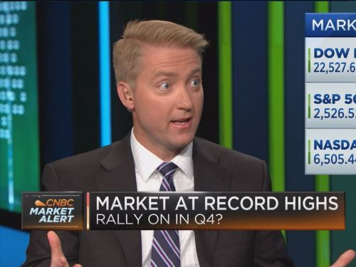 Northwestern Mutual's chief strategist shares the key difference between 1999 and now that shows why tech stocks are not in a bubble - and says market conditions are prime for these 5 sectors to outperform in the year ahead