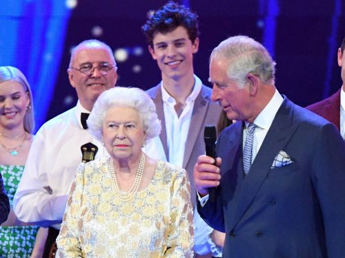 Shawn Mendes says he spent 10 'awkward' minutes in silence with the queen because he was following royal custom