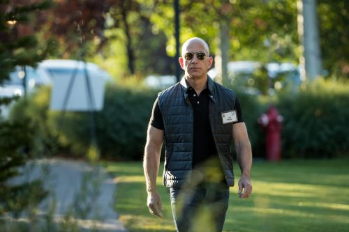 Amazon will soar by 65% if its retail business is valued like Alibaba instead of Walmart, analyst says