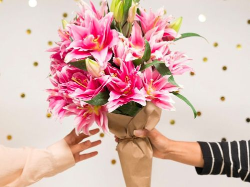 15 eco-friendly Valentine's Day flower bouquets we love - plus expert tips on what to keep in mind when ordering