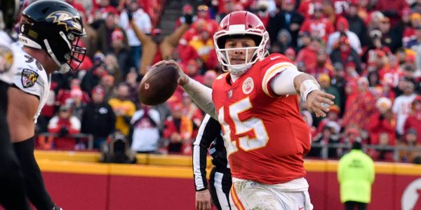 Patrick Mahomes made 2 more incredible throws that show why he's unlike any other quarterback in the NFL