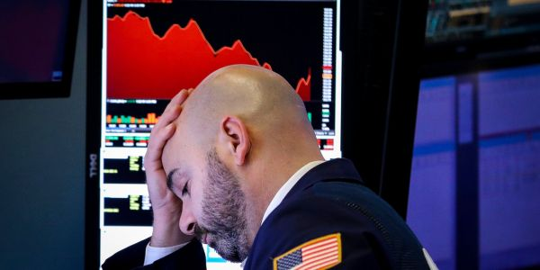 Here's how the corporate merger explosion could accelerate a market crash and make the next recession even worse