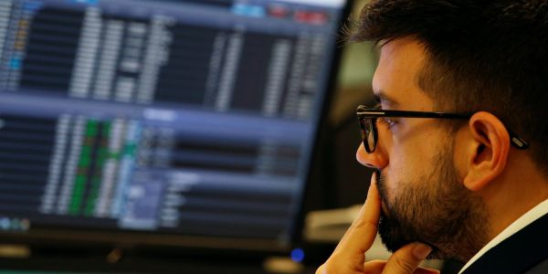 The market's biggest investors just traded like they do right before 'serious damage' is inflicted on stocks - and one expert warns another painful meltdown could soon strike