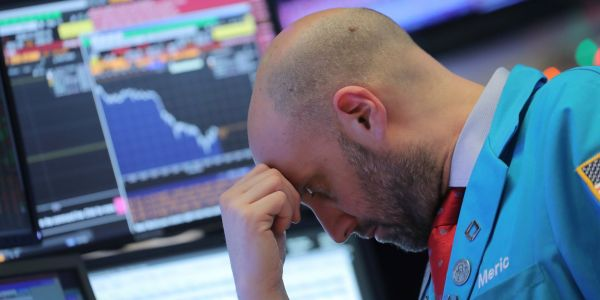 The struggling stock market is facing 6 main problems - and one expert says a crash is the only thing that can resolve them
