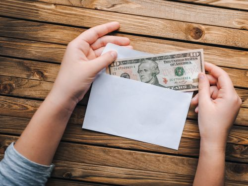 10 red flags to consider before giving to a charity