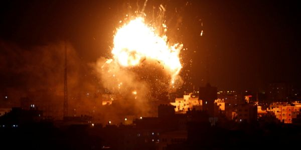 Israel and Hamas' massive overnight rocket battle threatens to become a major war