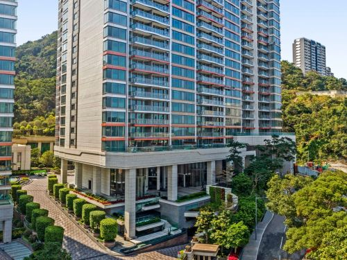 A Hong Kong penthouse just sold for $59 million - or $17,542 per square foot - making it the priciest apartment ever sold in Asia