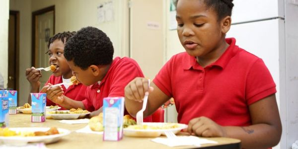 SHUTDOWN DAY 31: Schools worry they won't be able to feed kids; White House thinks GDP growth could fall another 0.13 points this week