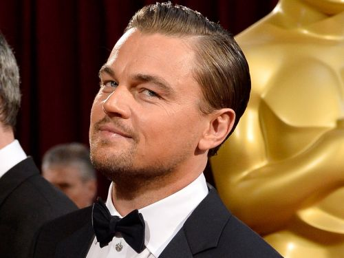 Leonardo DiCaprio had to return Marlon Brando's Oscar, and the financier who gave it to him as a birthday present is now reportedly a fugitive on the run