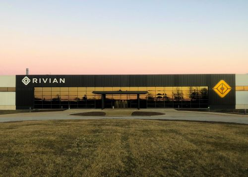 Rivian raises $2.65B as it pushes towards production of its electric pickup