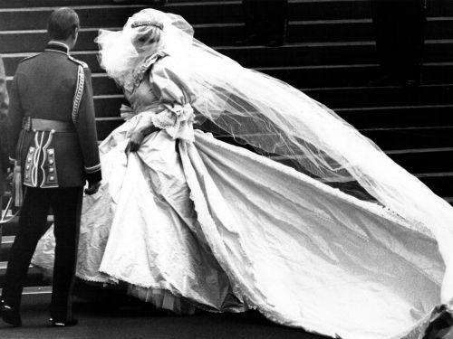 30 beautiful pictures of royal weddings around the world