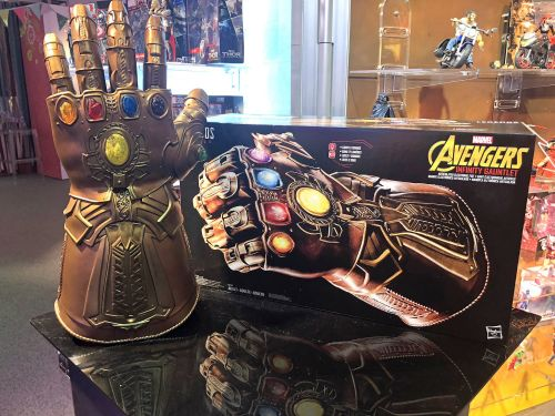 This lifelike 'Avengers: Infinity War' gauntlet is what every fan will want ahead of the movie