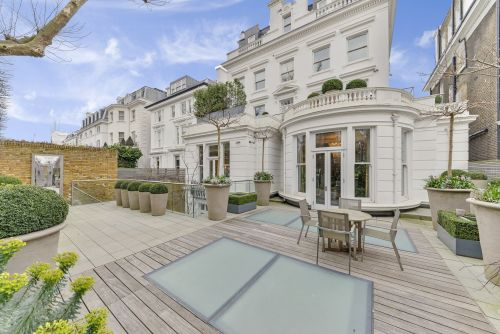 This £30 million Kensington mansion complete with a wine vault, pool, and cinema was the most viewed house for sale in London in 2017