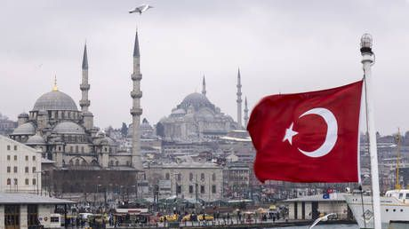 Turkey aims to be among world's 10 biggest economies as Erdogan lures major investments