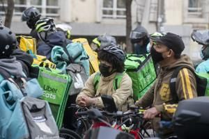Spanish food delivery riders want right to be self-employed